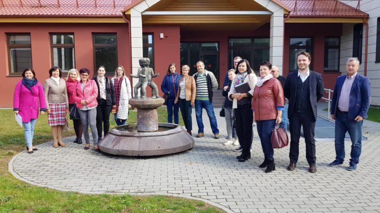 """Birštone vyko projekto Nr. LT-PL-3R-253 """"Pasienio regiono partnerystės stiprinimas senėjimo ir socialinių paslaugų srityse"""" partnerių pažintinis vizitas"""